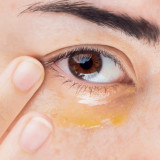 Tratament de ochi pentru seara cu multi-vitamine și antioxidanți