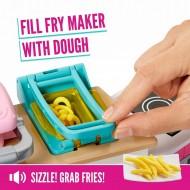 Set de joaca Mattel bucatarie Barbie