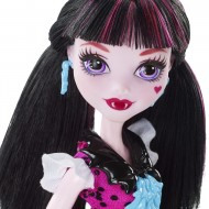 Papusa Monster High Draculaura
