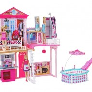 Set casuta Barbie completa si piscina - 3 papusi incluse