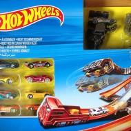 Jucarie baieti Hot Wheels nitrobot attack + 18 masinute