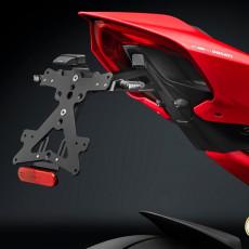 RIZOMA PT533B - License plate holder kit FOX