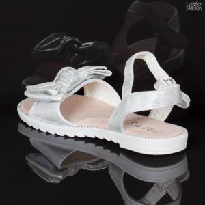 sandale fete cu fundita