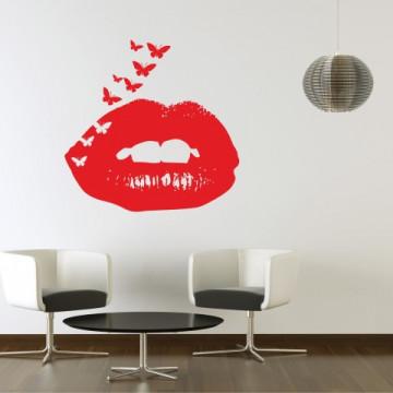 Butterfly lips