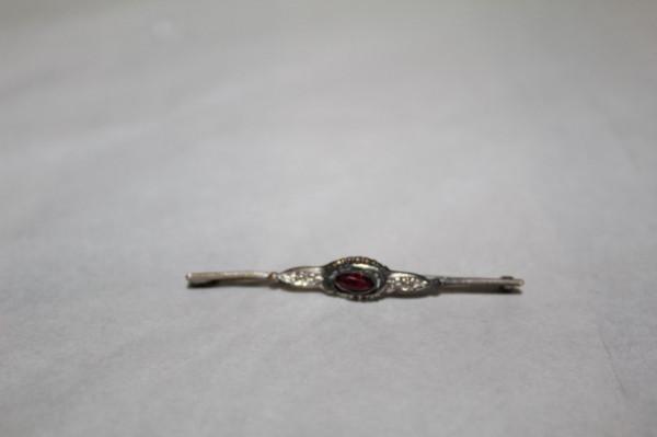 Baby pin piatră roșie perioada edwardiană cca. 1900