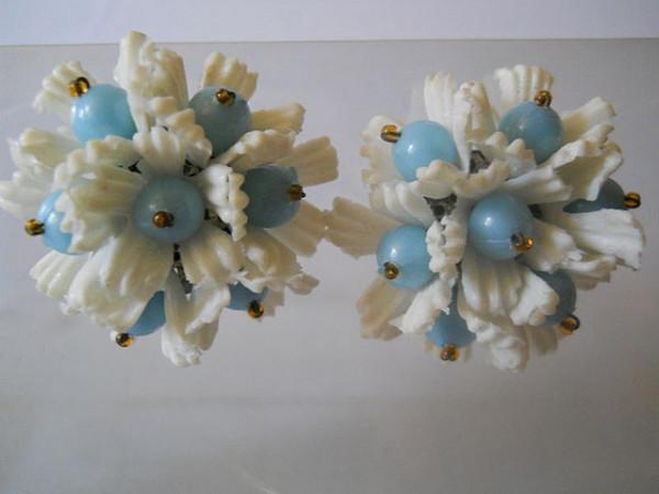Clips floare bicolora anii '50