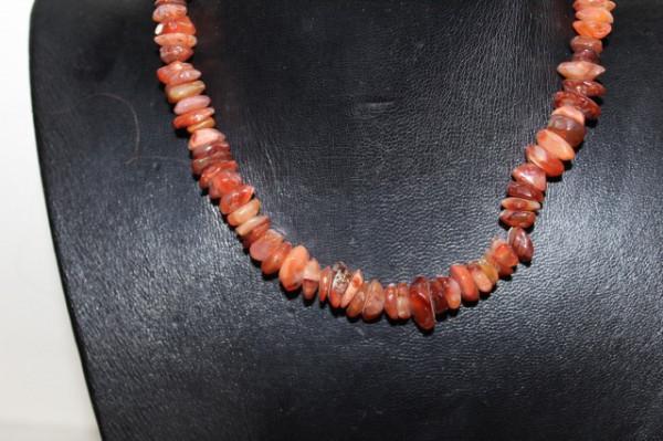 Colier din carneol portocaliu anii 60