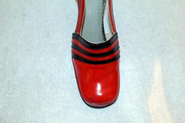 Pantofi vintage din lac corai anii '70