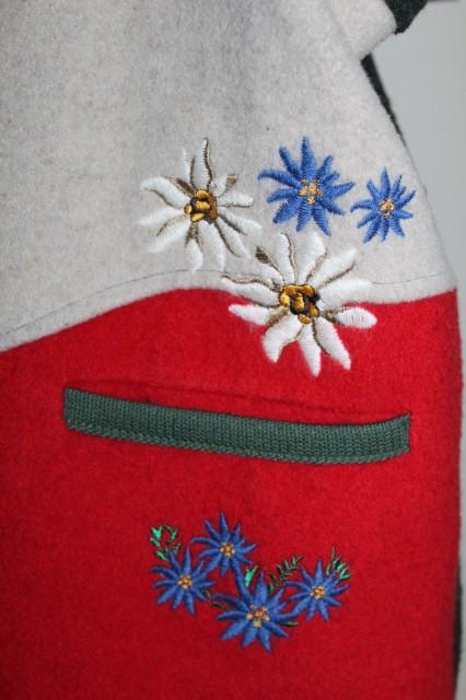 Vesta retro flori brodate anii '80