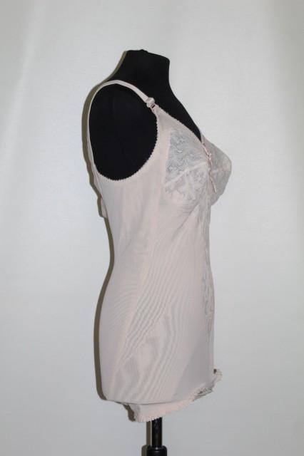 Body roz tip Slimming-All-In -One cu dantelă anii 60