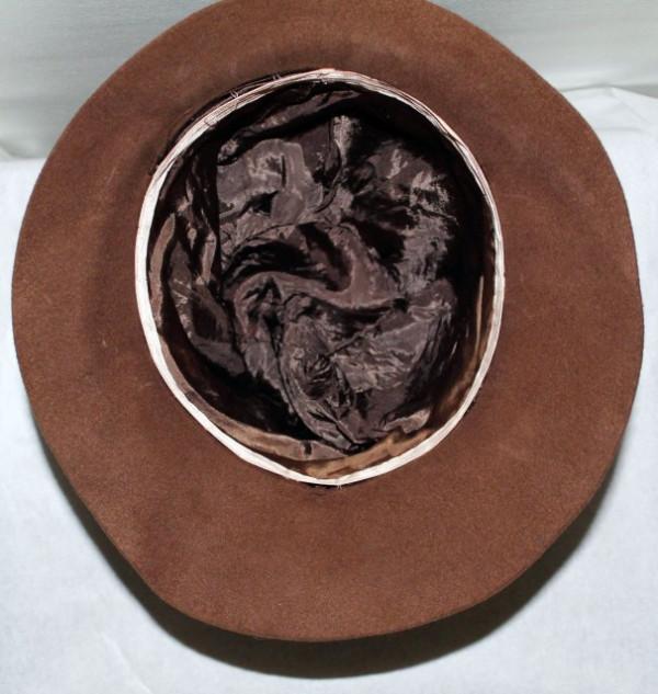 Palarie vintage maro cusatura ornamentala anii '60 - '70