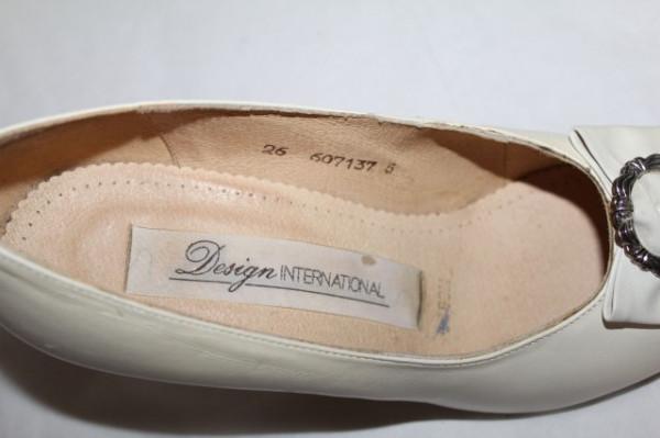 Pantofi ivoire fundita anii '80