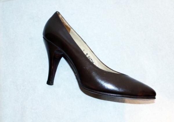 "Pantofi maro ""Guban"" anii '70"