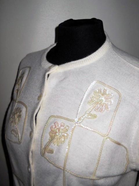 Pulover vintage bombshell alb aii '50