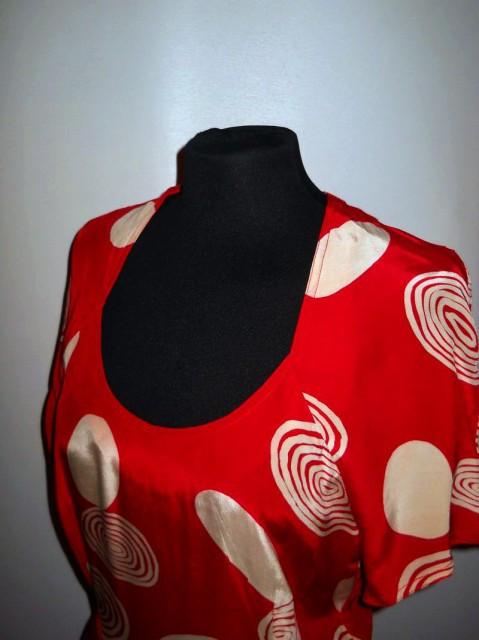 Rochie retro rosie cercuri ivoire anii '80