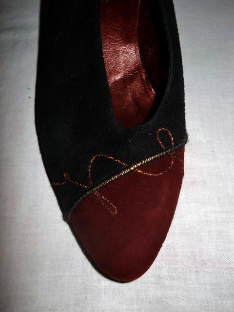 Pantofi brodati anii '80