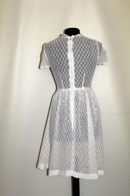 Rochie vintage din dantelă albă anii 50