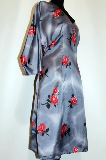 Rochie vintage model trandafiri anii '60