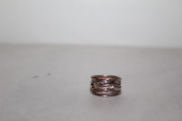 Inel din argint model în relief