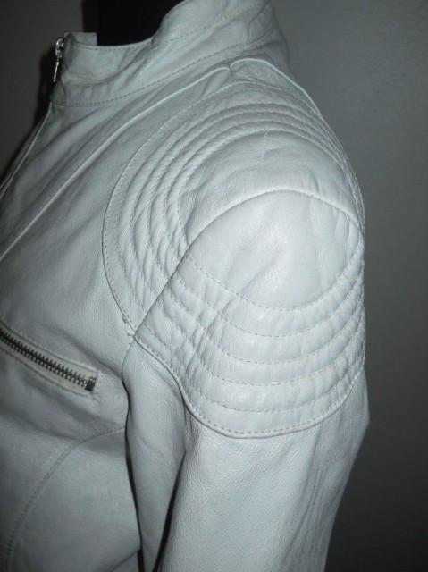 Jacheta retro din piele naturala alba anii '90