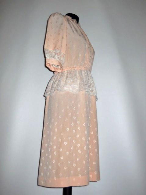 Rochie vintage roz pudra cu dantela anii '70