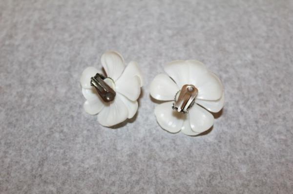 Cercei albi floare anii '50