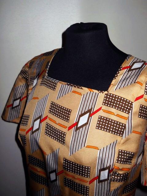Rochie bej print geometric anii '60