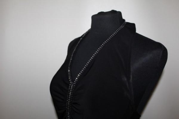 Rochie neagră aplicații cristale repro anii 70