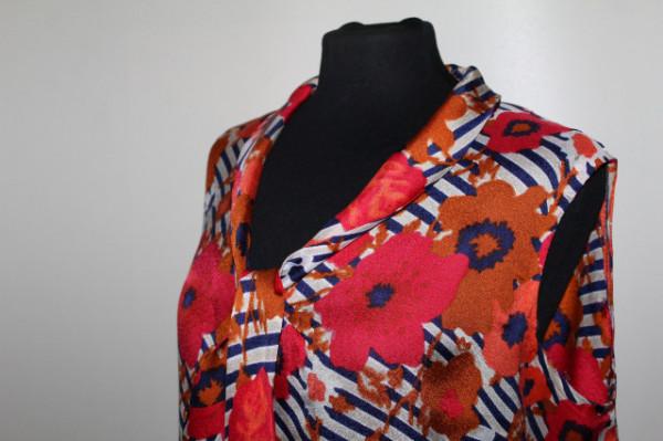 Rochie vintage flori și dungi anii 60
