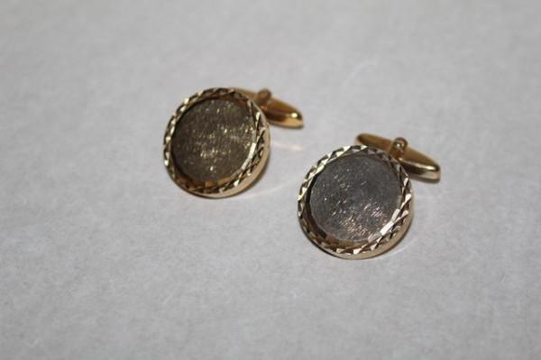Butoni aurii rotunzi anii '70