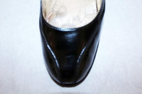 """Pantofi negri din lac """"Guban"""" anii '60"""
