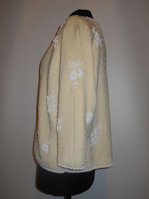 Pulover vintage ivoire broderie margele albe anii '50