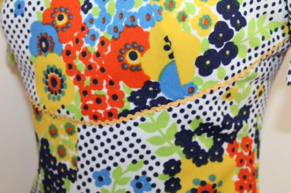 Rochie vintage print floral multicolor si buline anii '70