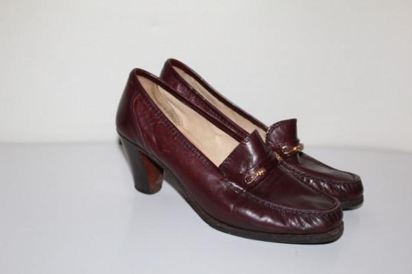 Pantofi vișinii Moda Magnus anii 70