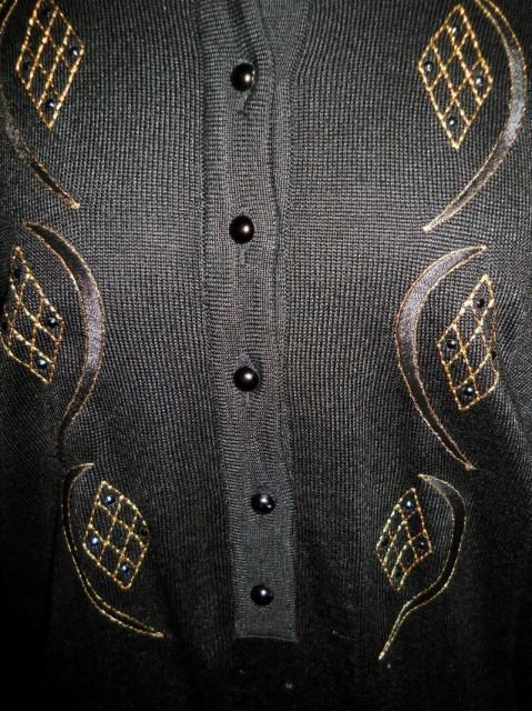 Pulover vintage negru brodat anii '70