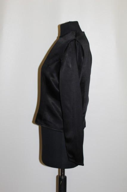 Bluza neagra anii 90