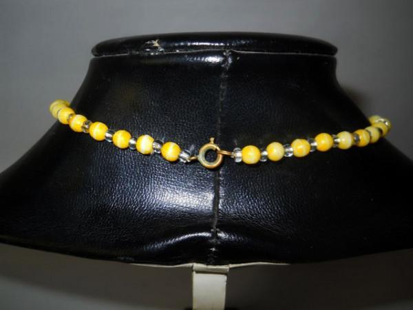 Colier sticla galbena anii '50