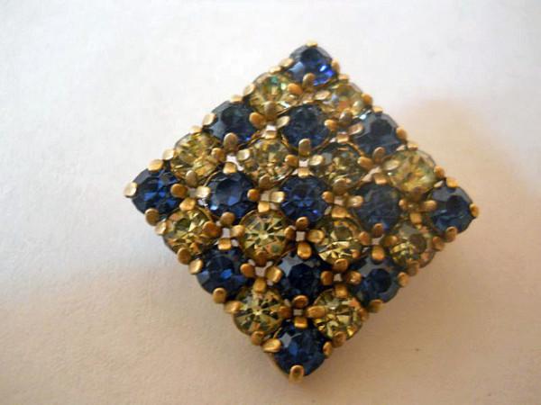 Brosa pave cristale anii '30