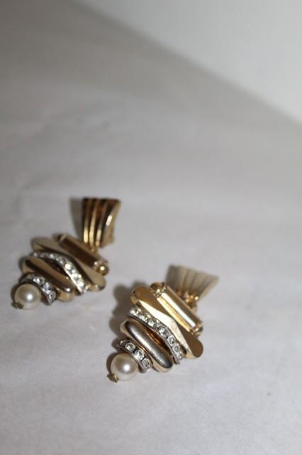 Cercei aurii cu perluțe anii 70