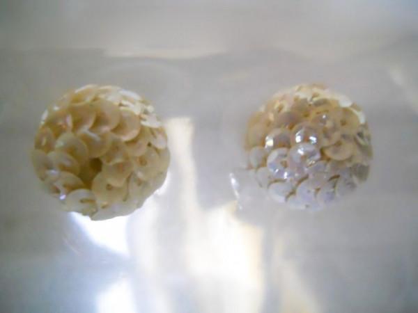 Cercei globuri paiete albe anii '60