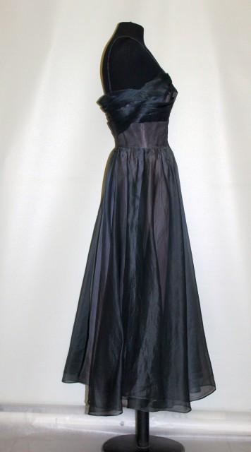 Rochie de ocazie din organza albastră anii 40