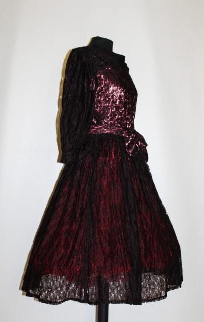 Rochie vintage din dantela anii '50