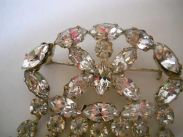 Brosa tassels si cristale anii '20