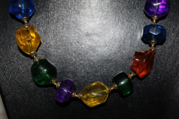 Colier vintage imitatie sticla multicolora anii '70
