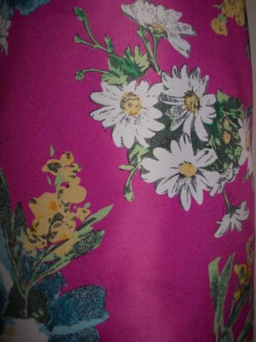 Esarfa retro print floral pe fond roz anii '80