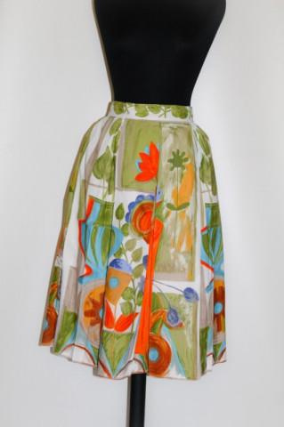 Fusta print floral si vaze anii '50