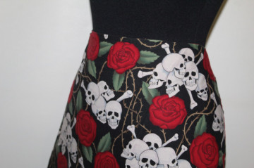 Fustă print trandafiri și cranii anii 90