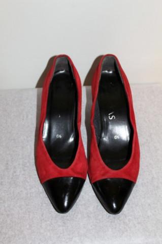 "Pantofi bicolori ""Brigitte Von Servas"" anii '80"