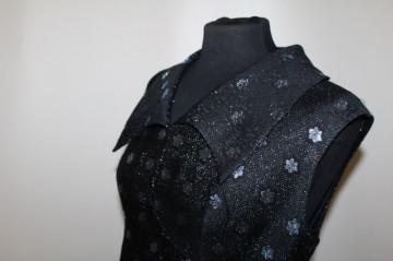 Rochie de seară din brocart model floral anii 60