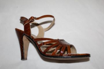 Sandale din lac stamp crocodil anii '70